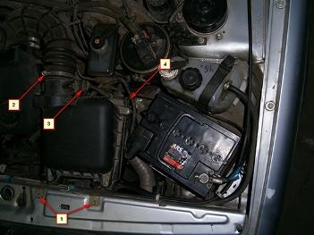 Болты воздушного фильтра которые необходимо открутить