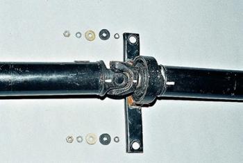 Демонтаж крестовины карданного вала