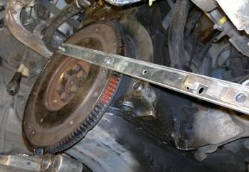 Маховое колесо в системе