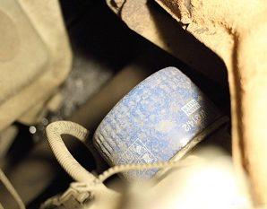 Меняем фильтр и масло в двигателе Лада Приора