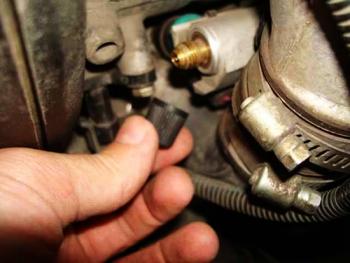Проверка давления в топливной системе ВАЗ 2115