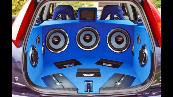 6.4-stereosistema-v-avto